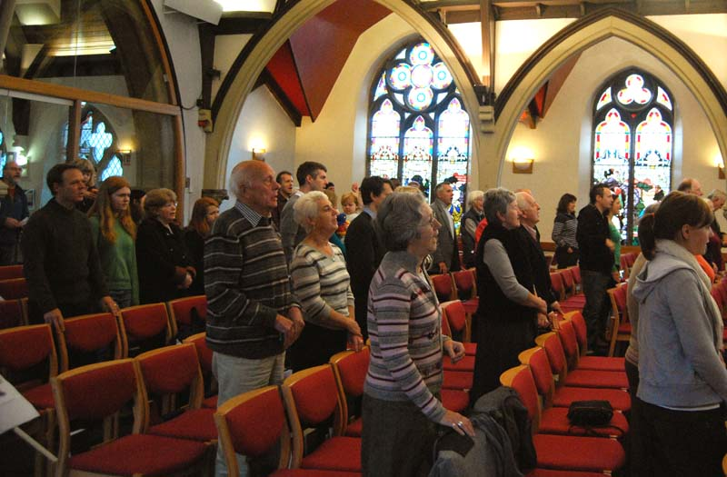 Congregational singing at On-Line December 2009