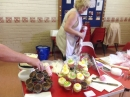 Friendship Club Decorate Cakes