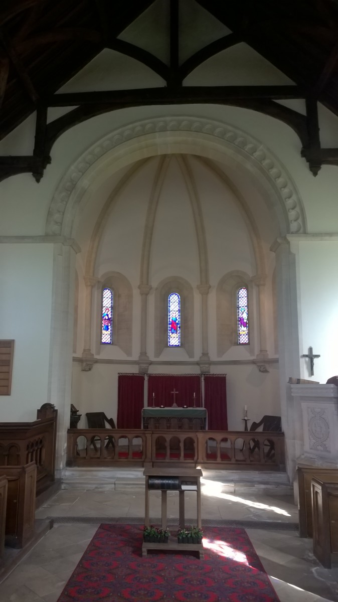 Photo of the altar in St.Luke's Frampton Mansell