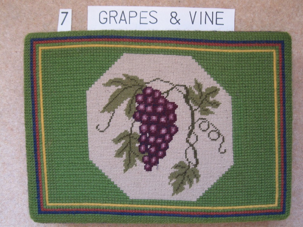 Kneeler 7 Grapes and Vine