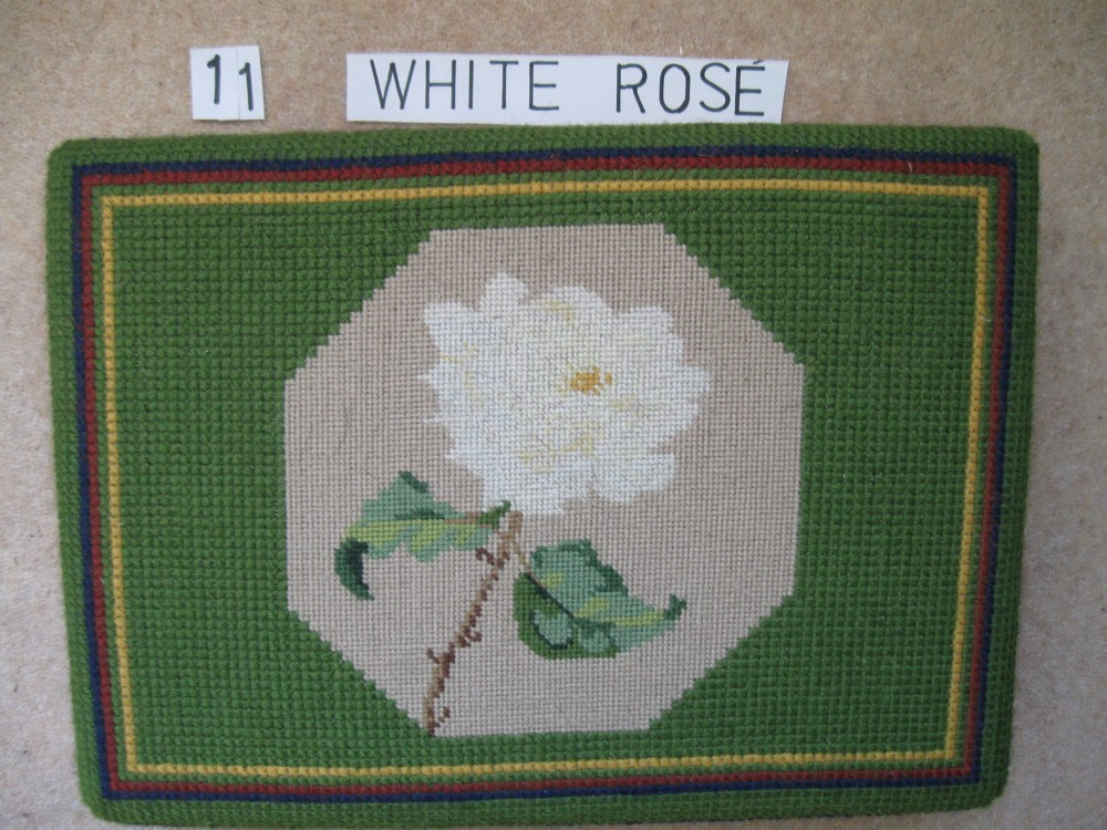 Kneeler 11 White Rose
