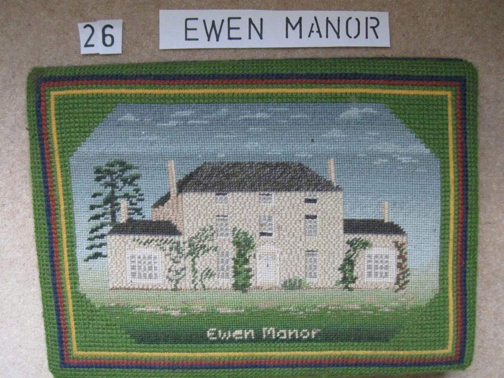 Kneeler 26 Ewen Manor
