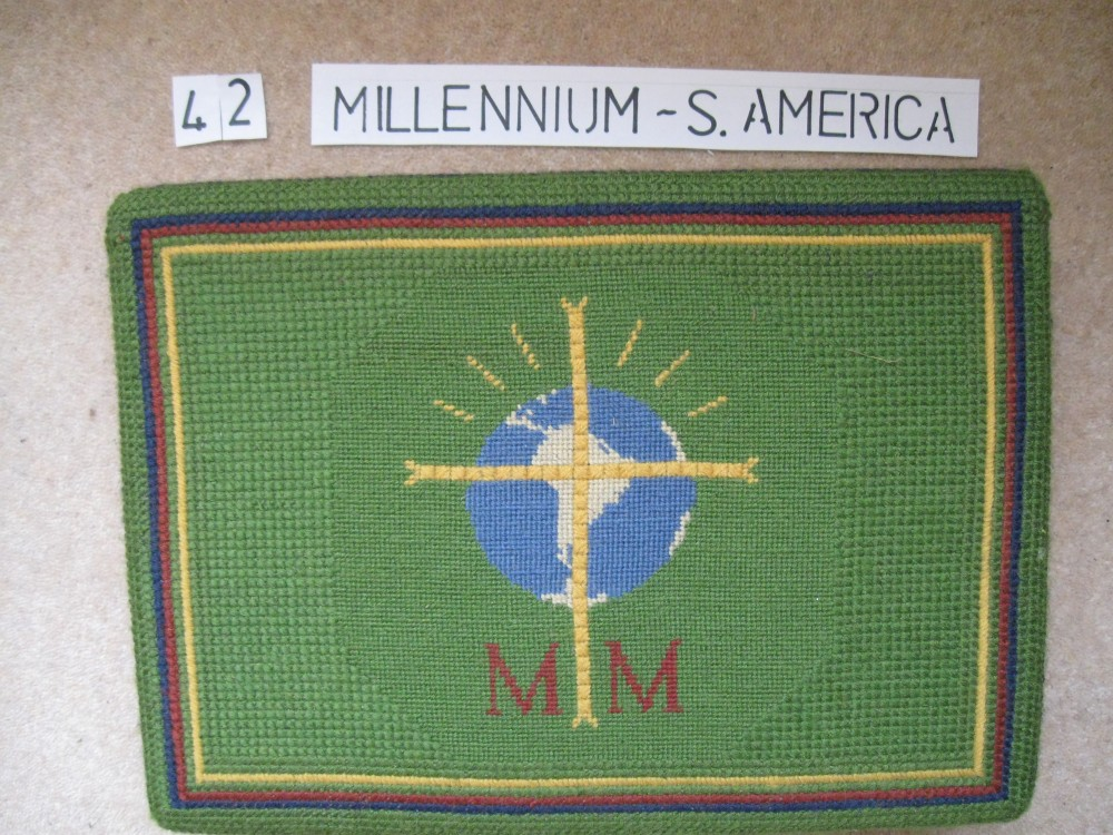 Kneeler 42 Millenium South America