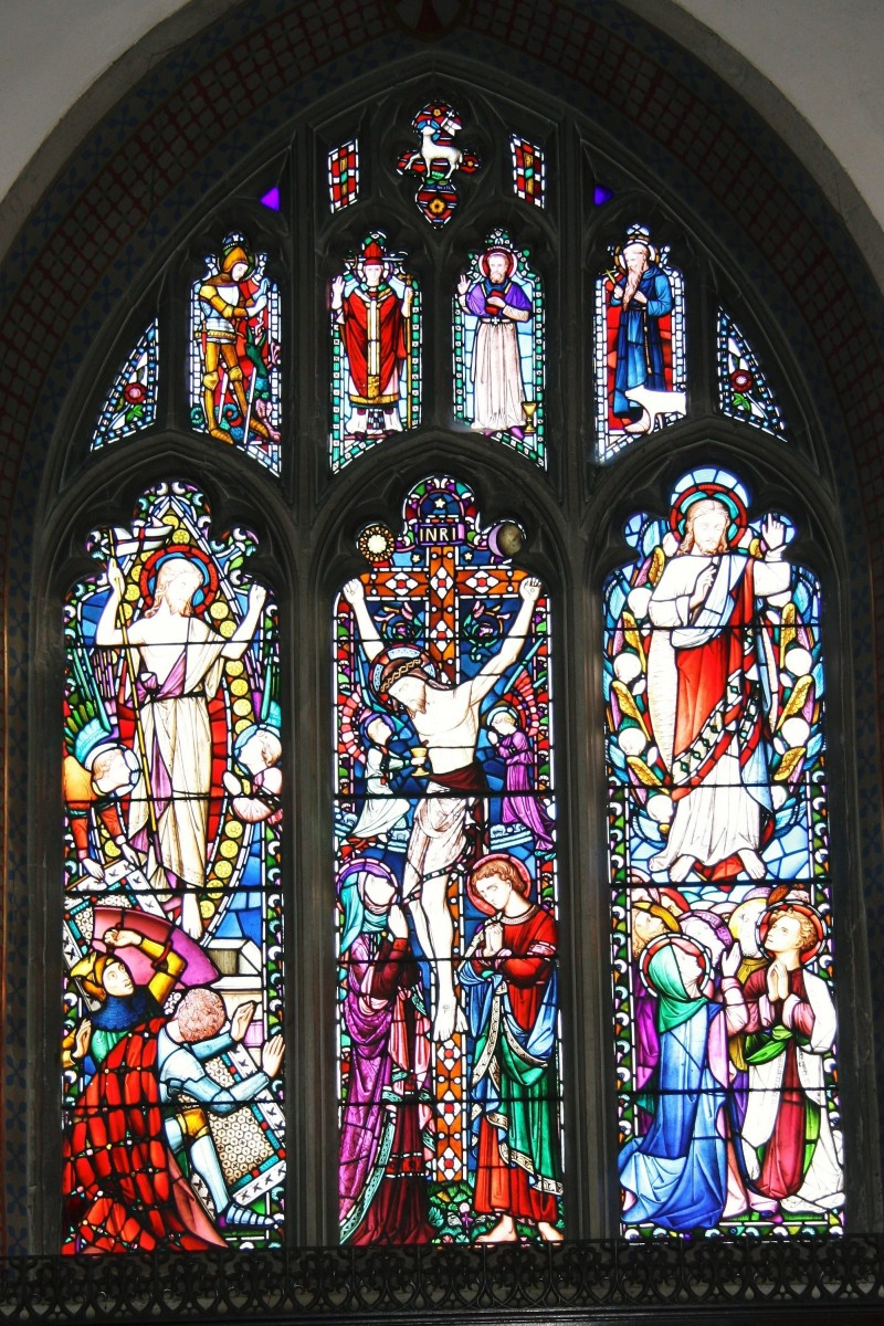 East Window shows last days of the earthly life of Jesus