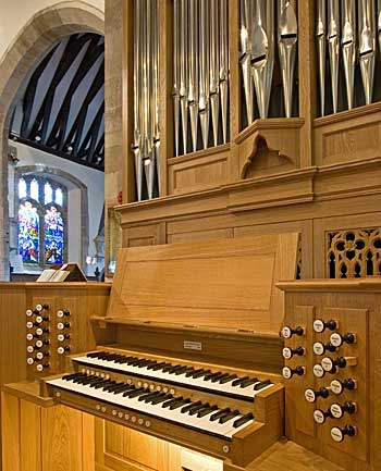 console of the Kenneth Tickell organ at Westbourne church