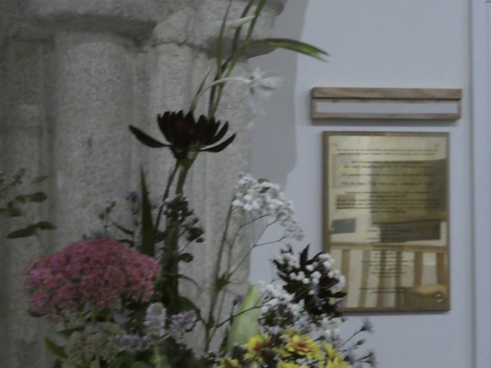 The flowers and the plaque