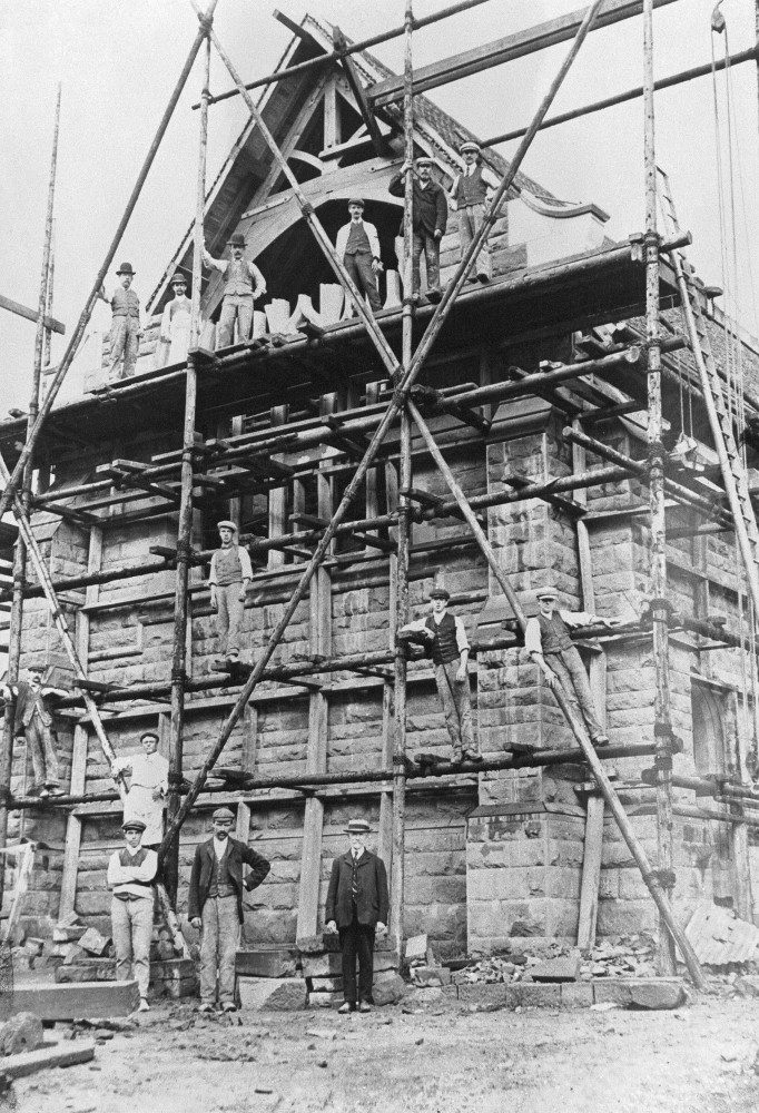 St. Saviour's being built, c. early 1908
