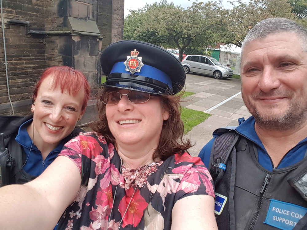 image of community manager with PCSOs