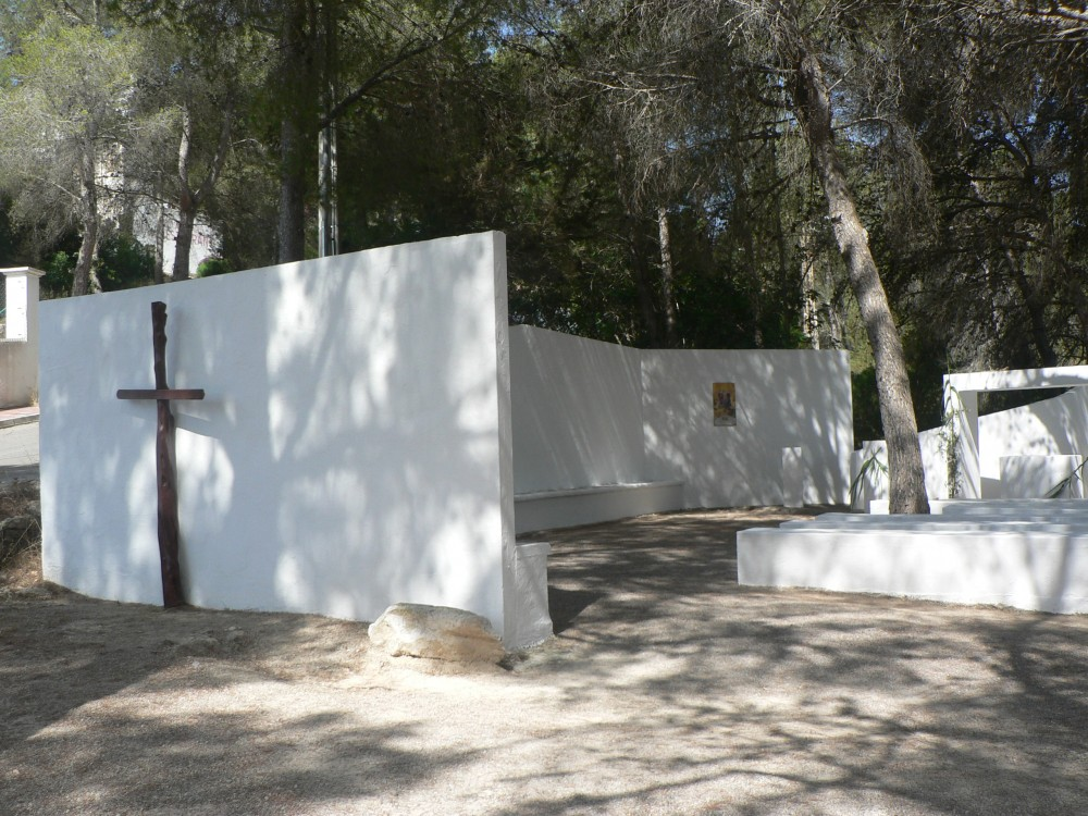 Open air chapel Cala Llonga