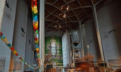 Open Chain of Hope at Coventry Cathedral