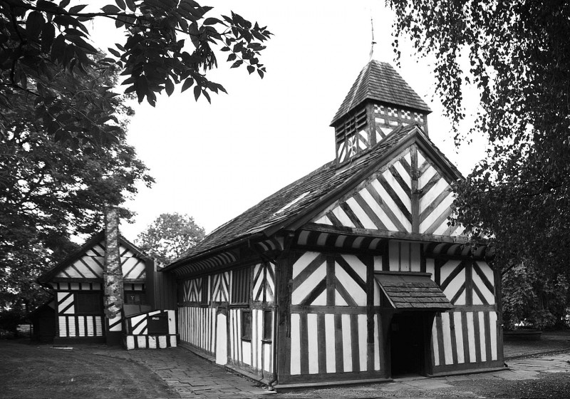 St Lawrence Church 2010 in Black and White