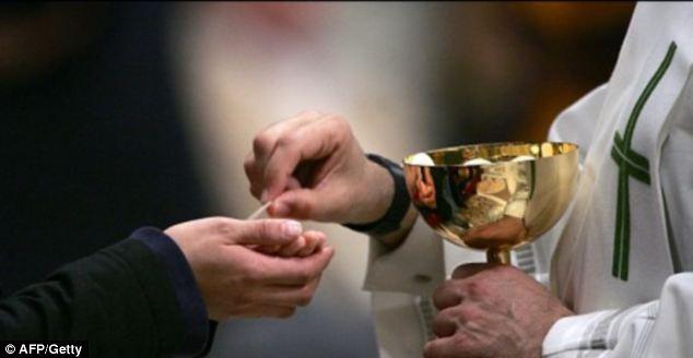 Do Catholics Drink Wine At Communion