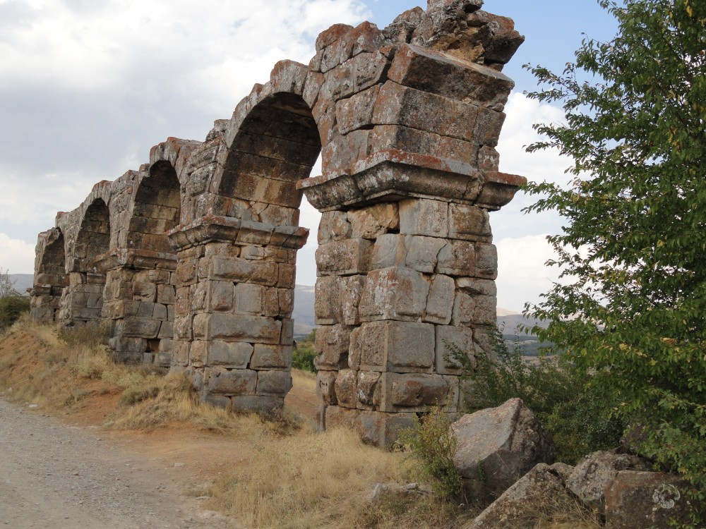 Roman aqueduct at Antioch in Pisidia