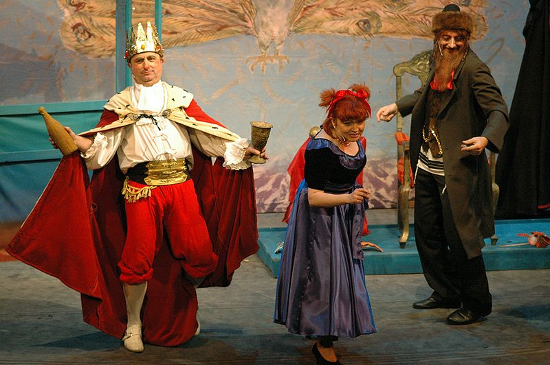 Purim performance at the Jewish Theatre in Warszawa, Poland (Kotoviski)