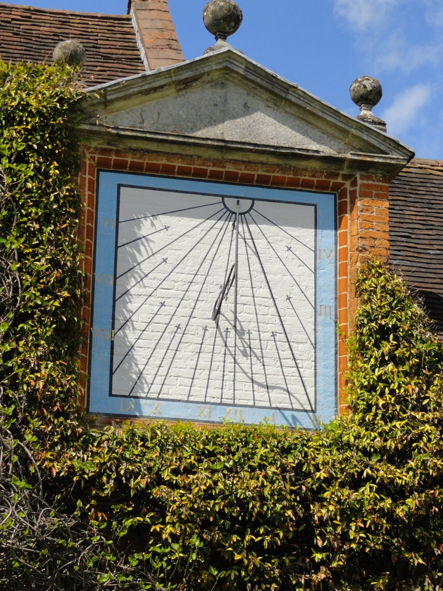 Sundial at Packwood Hall
