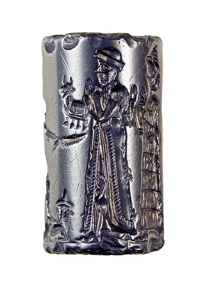 Old Babylonian Cylinder Seal depicting the king making an animal offering to the Sun god Shamash (Hjaltland Collection)