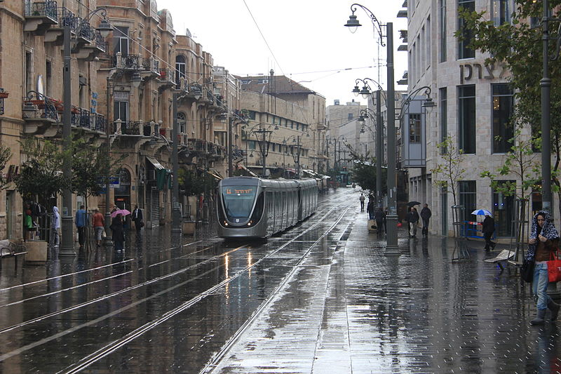 Jaffa Road, Jerusalem on a rainy morning (November 2011) (Navot Miller)