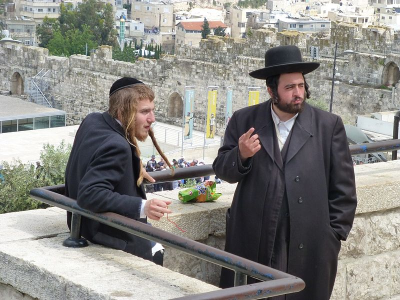 Two orthodox Jews in Jerusalem (Paul Arps)