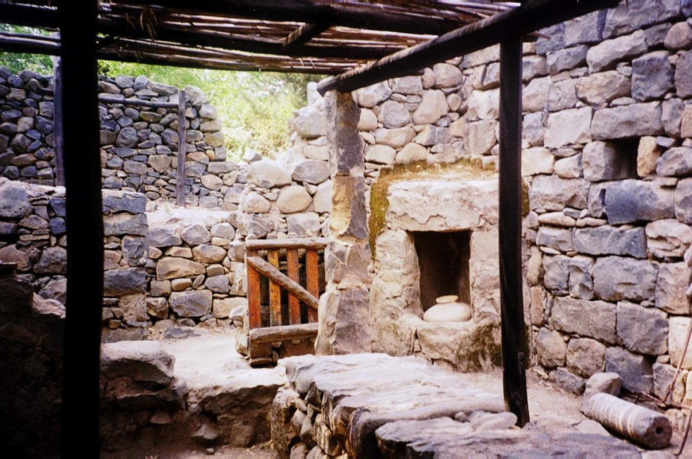 A reconstructed house at Ancient Qasrin
