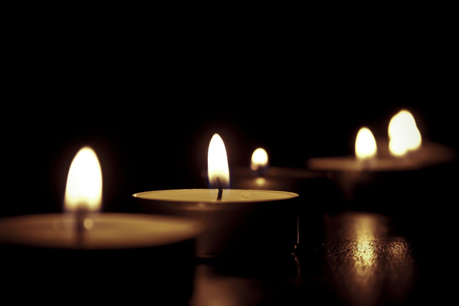 image of tealight candles