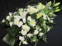 A white bouquet of flowers