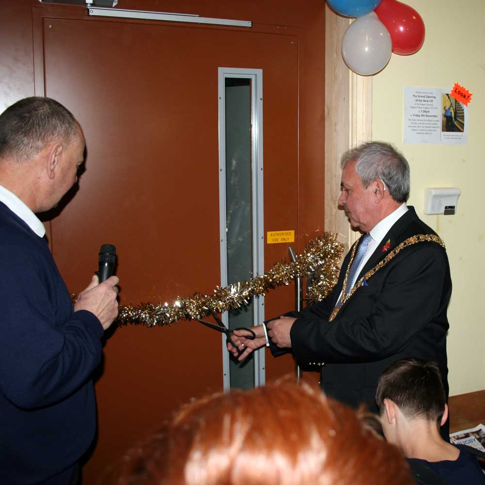 The Mayor of Rugby, Cllr Tom Mahoney, opening the lift