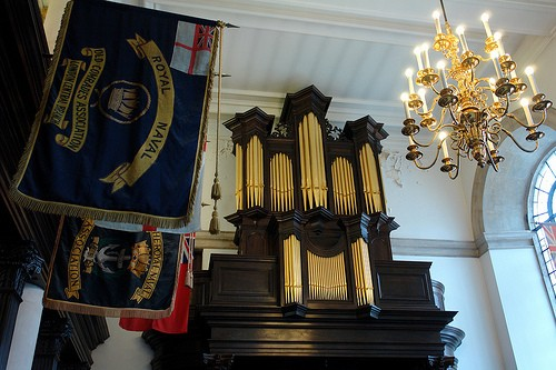 Commonwealth Chapel Organ